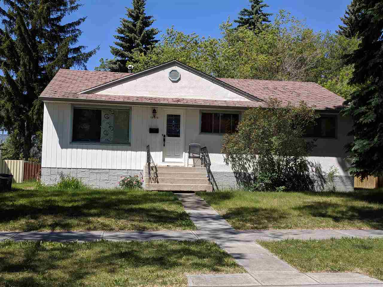 13410 123 Avenue, 3 bed, 1 bath, at $305,000