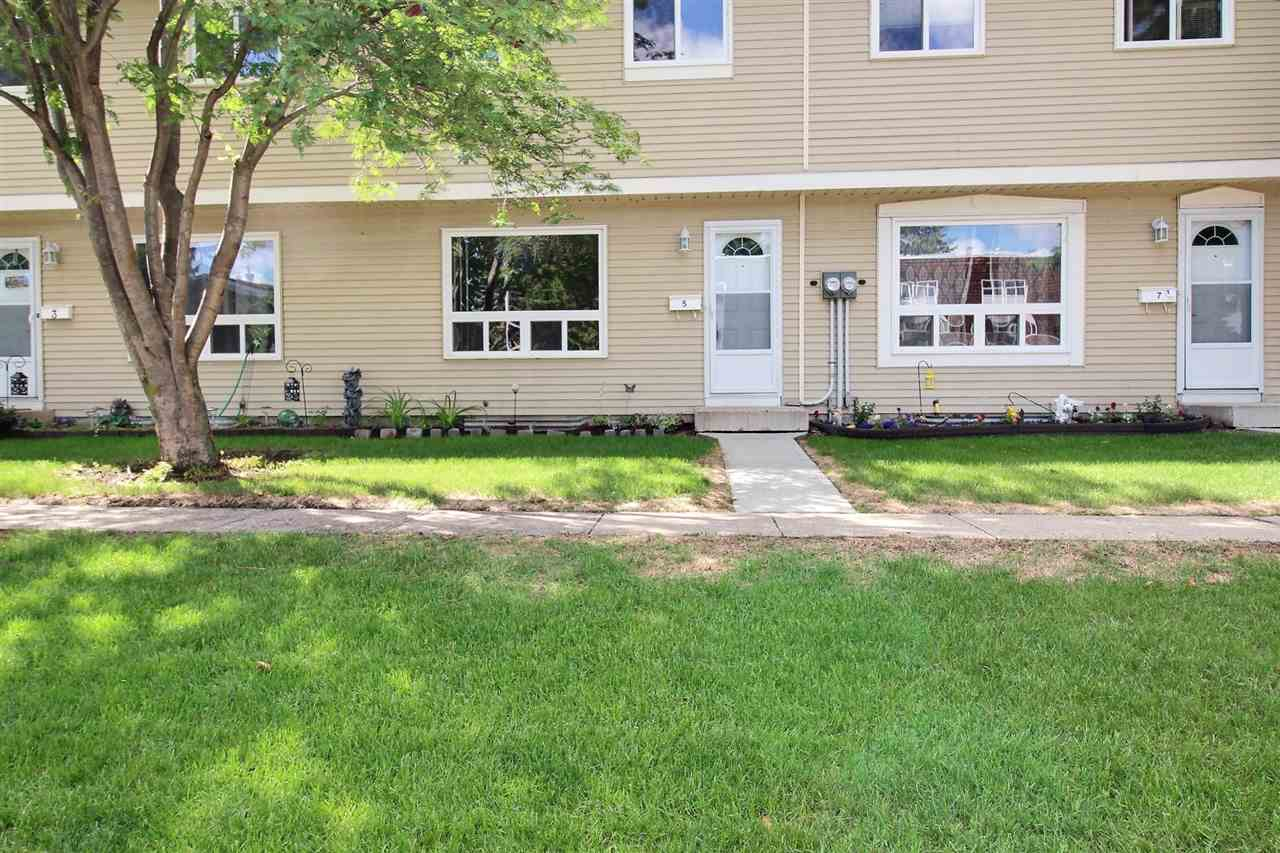 #5 2131 Oak Street, 3 bed, 2 bath, at $224,900