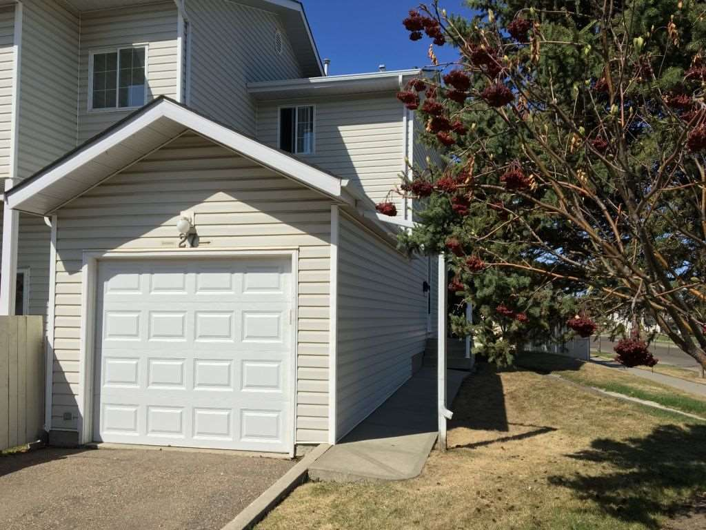 27 8203 160 Avenue, 3 bed, 3 bath, at $268,900