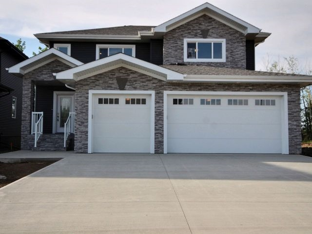 Property, 3 bed, 2.1 bath, at $679,900