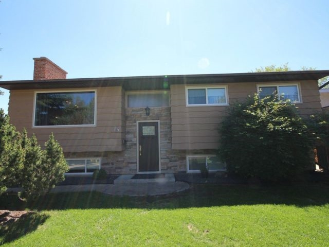 24 Fairfax Crescent, 4 bed, 1.2 bath, at $409,900