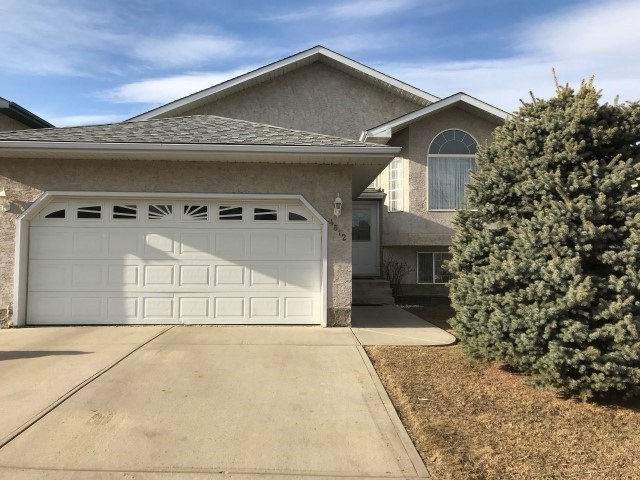 4812 145 Avenue NW, 3 bed, 2 bath, at $358,000