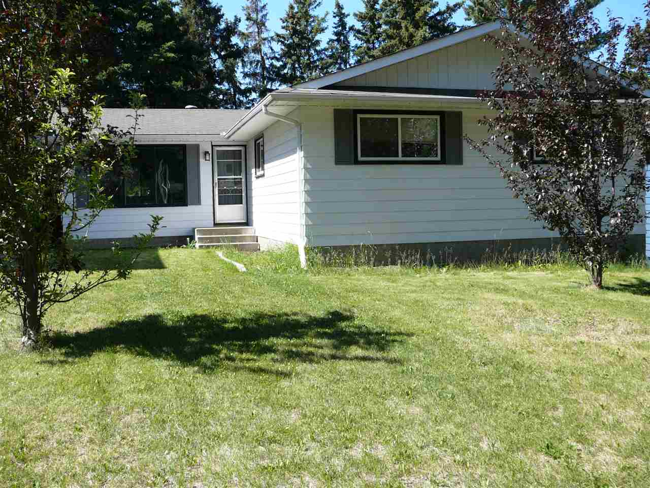 42 BELLEVUE Crescent, 4 bed, 3 bath, at $289,900