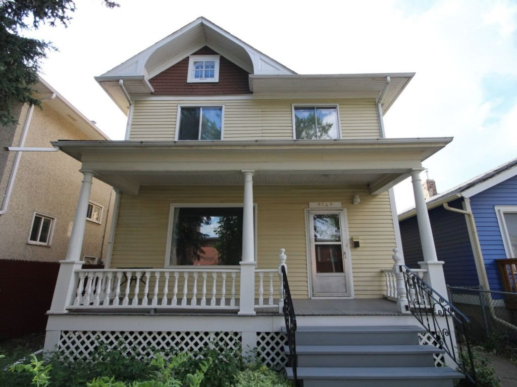 9549 107 Avenue, 3 bed, 1 bath, at $308,000