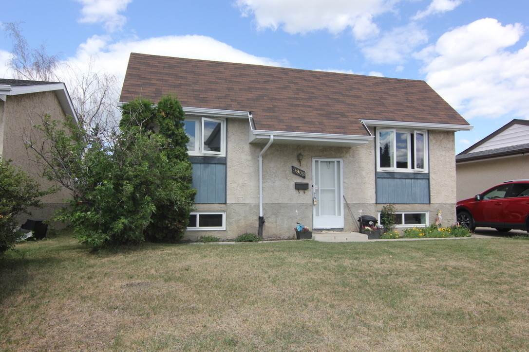 9908 170 Avenue NW, 3 bed, 2 bath, at $285,000