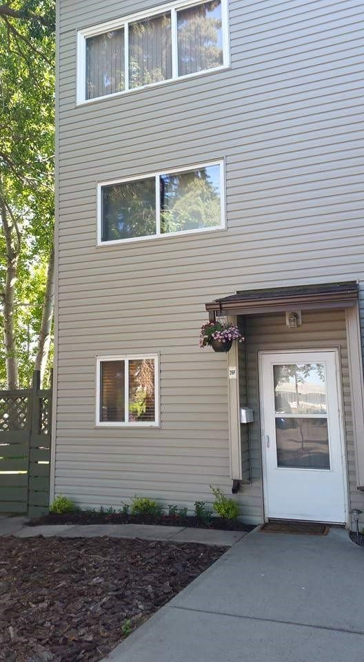 26F MEADOWLARK Village, 3 bed, 2 bath, at $219,900