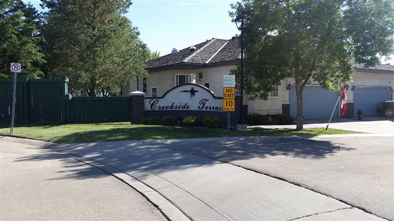 121 215 BLACKBURN Drive E, 2 bed, 2 bath, at $500,000