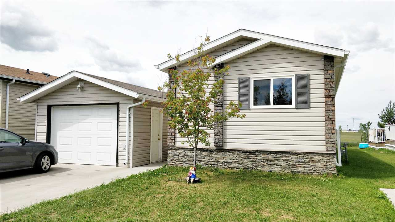418 Oak Wood CR, 3 bed, 2 bath, at $139,900