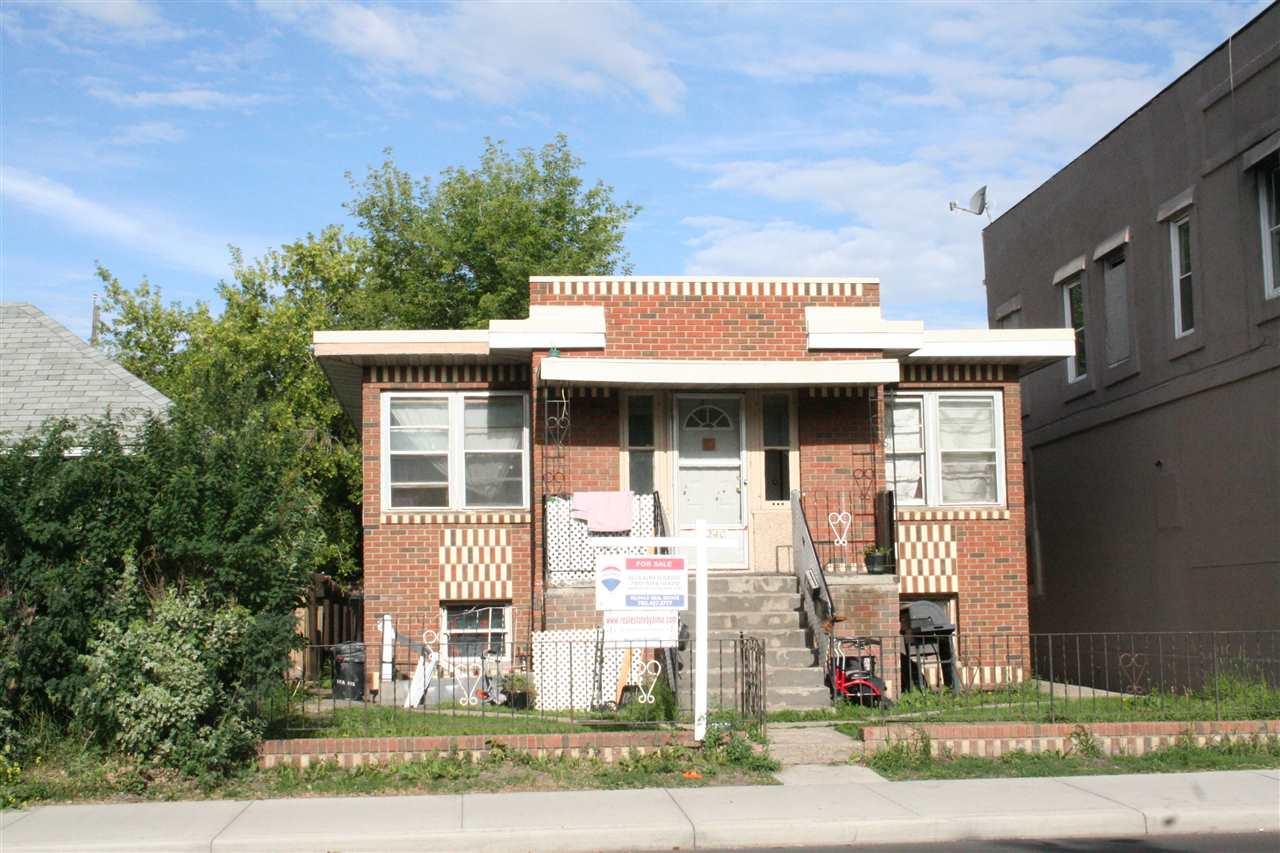 11240 86 Street, 2 bed, 2 bath, at $320,000