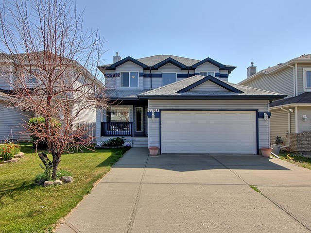 14915 137 Street, 3 bed, 4 bath, at $464,900