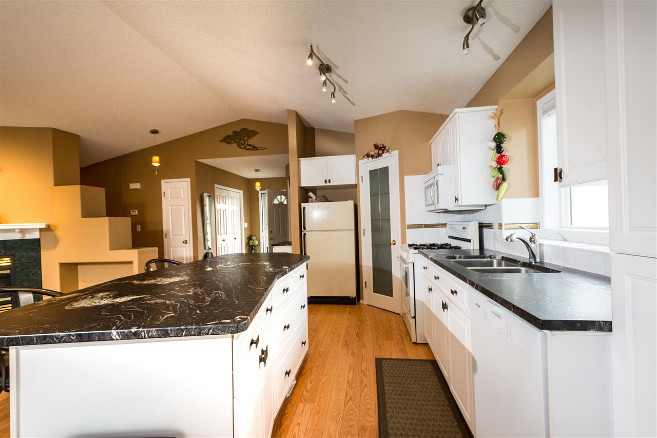 9976 178 Avenue, 3 bed, 3 bath, at $369,900