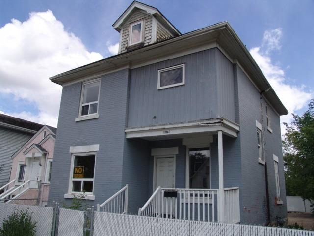 10963 95 Street, at $249,888