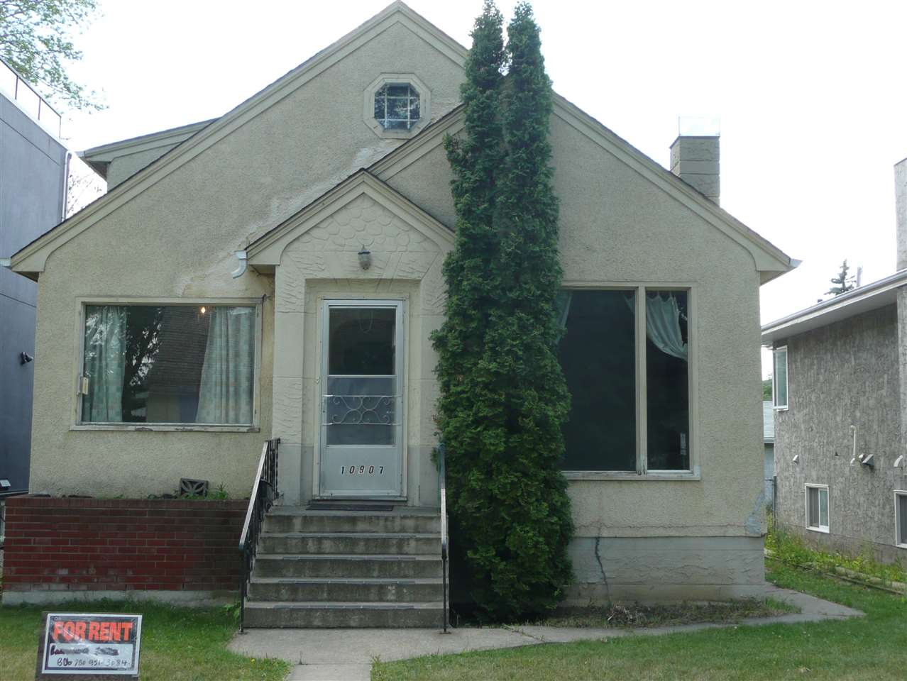 10907 77 Avenue NW, 4 bed, 2 bath, at $429,000