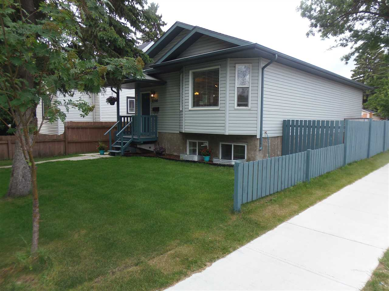 12146 95A Street, 3 bed, 2 bath, at $399,900
