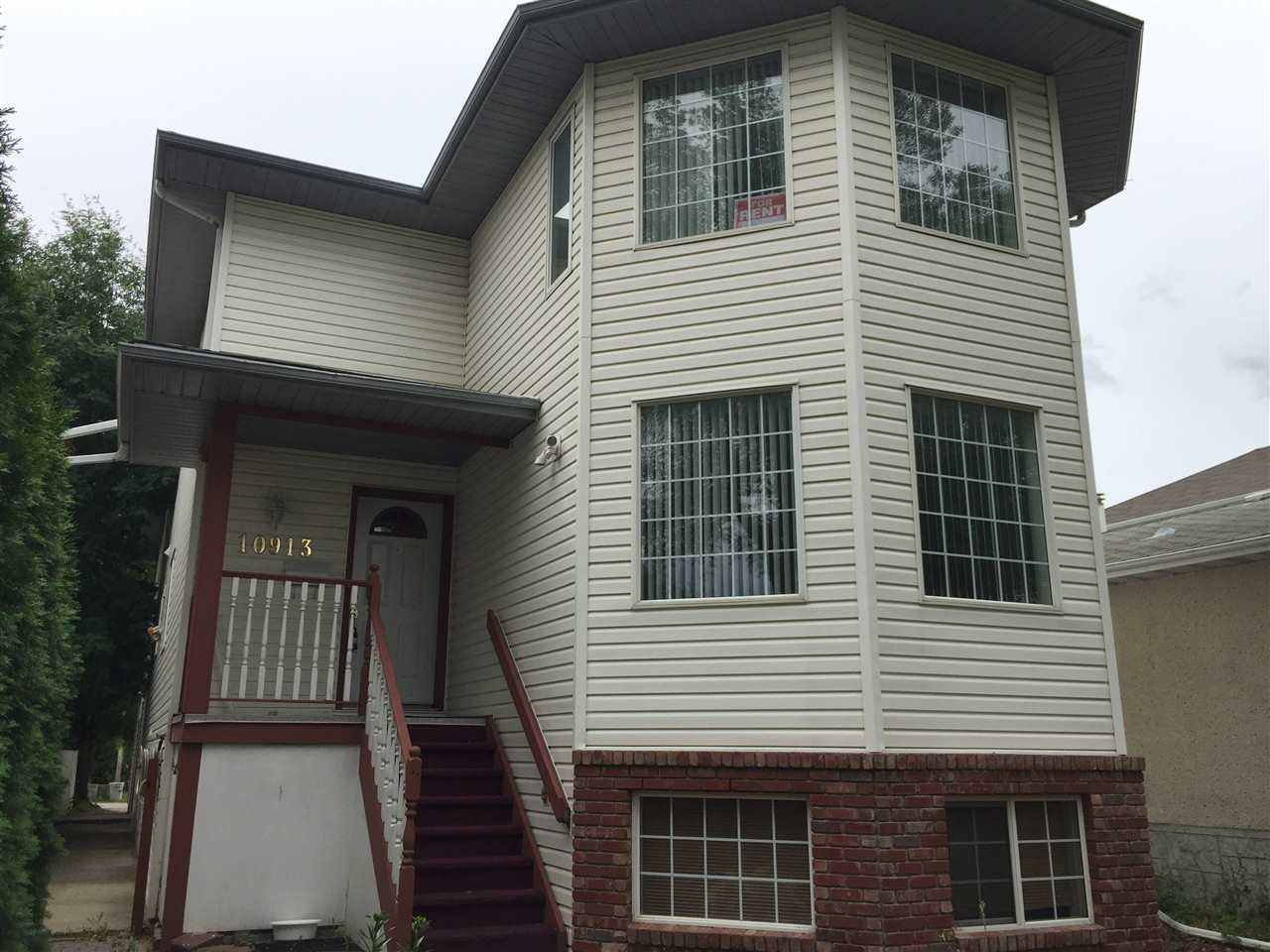 Property, 6 bed, 5 bath, at $858,800