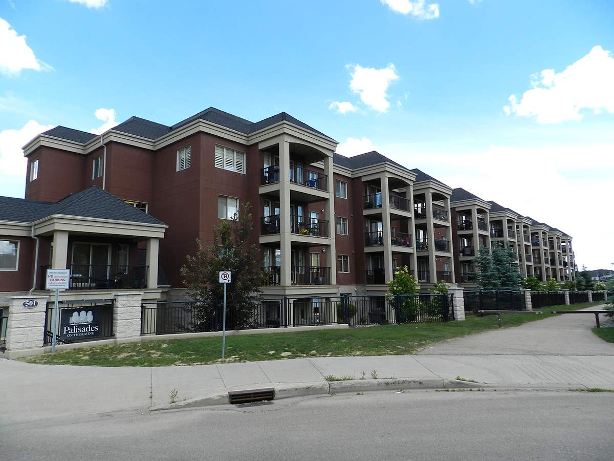 402 501 Palisades Way, 2 bed, 2 bath, at $309,900