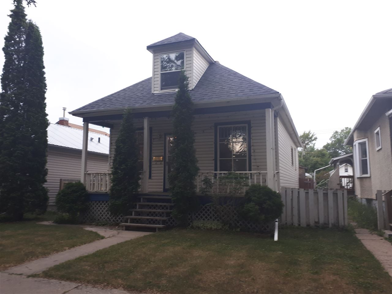 11618 96 Street, 2 bed, 1 bath, at $165,000