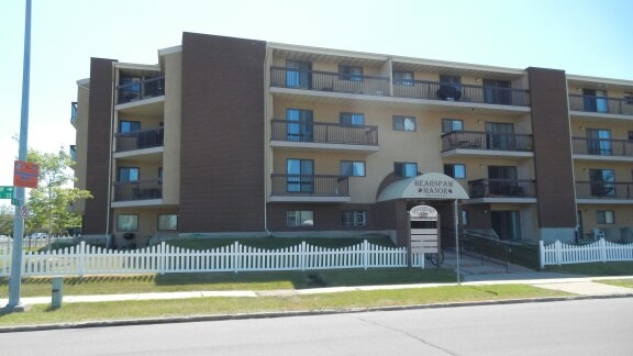 302 10511 19 Avenue, 2 bed, 2 bath, at $174,900
