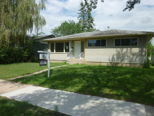 3518 121 Avenue, 4 bed, 2 bath, at $249,900