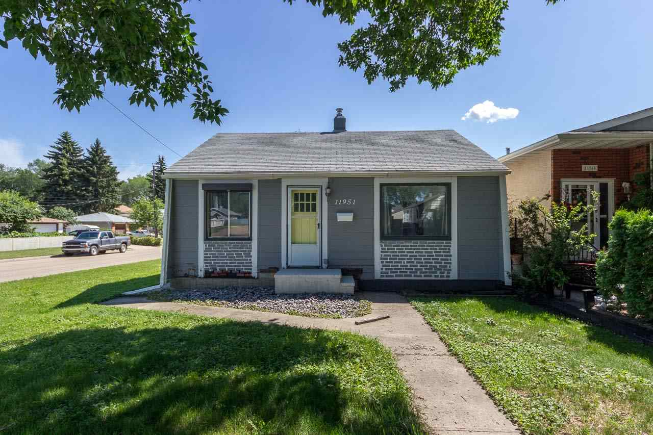 11951 52 Street, 3 bed, 2 bath, at $239,900