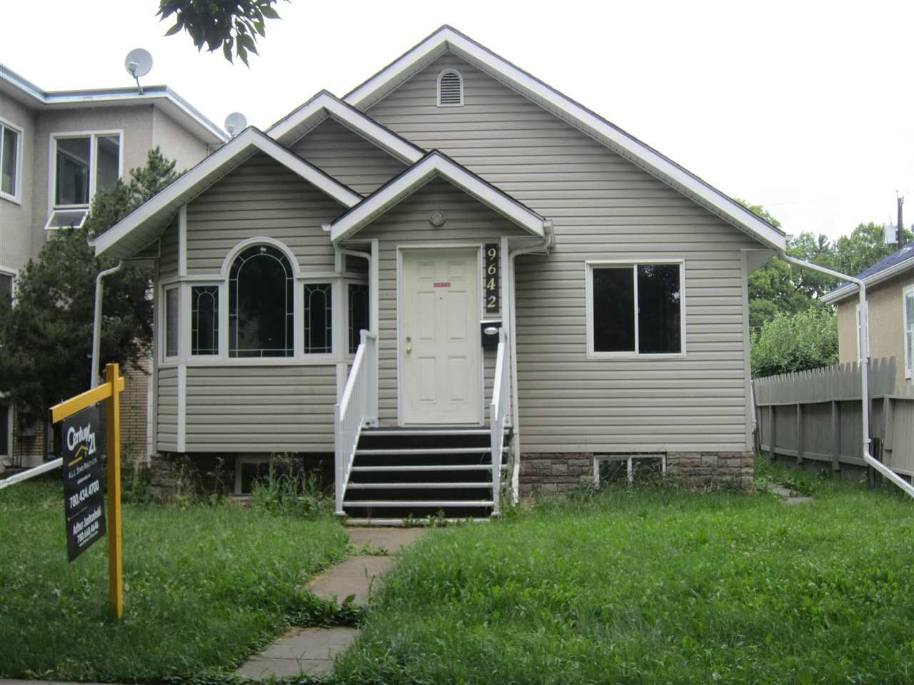 9642 109 Avenue, 2 bed, 1 bath, at $198,888