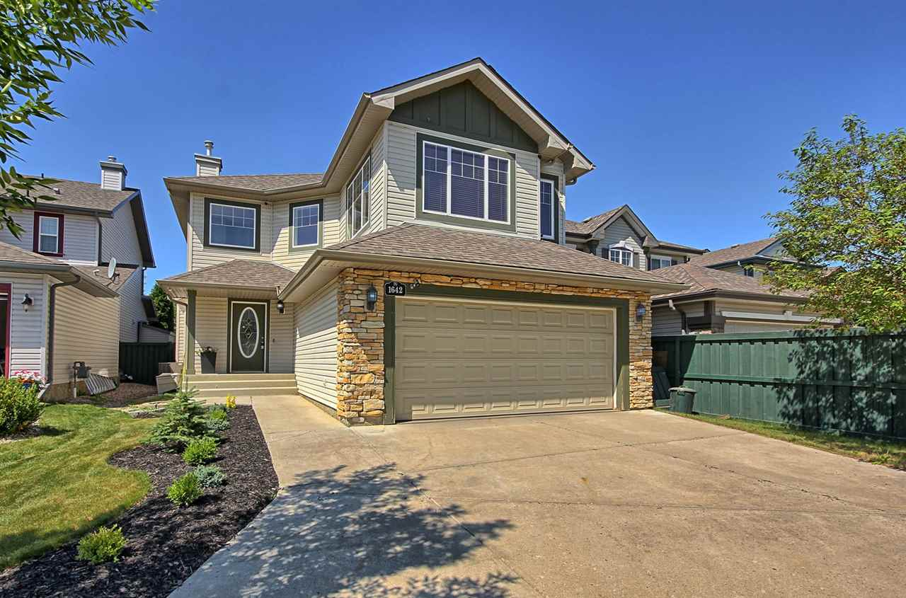 1642 ROBERTSON Close, 3 bed, 3 bath, at $509,900