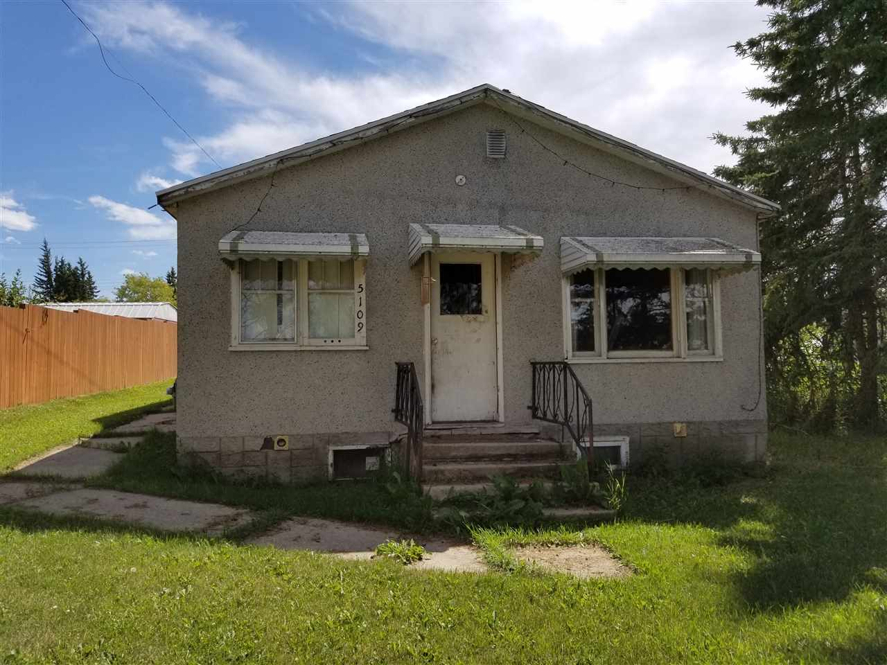 5109 49 Ave, 2 bed, 1 bath, at $70,000