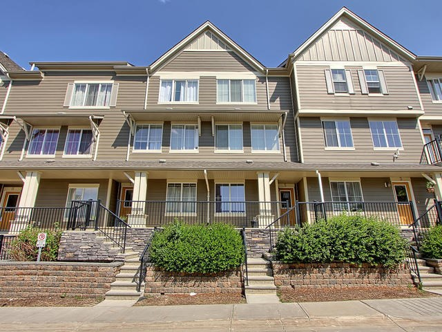 5 603 WATT Boulevard, 2 bed, 3 bath, at $249,900