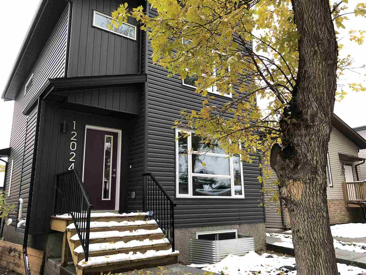 12024 95 Street, 2 bed, 3 bath, at $319,900