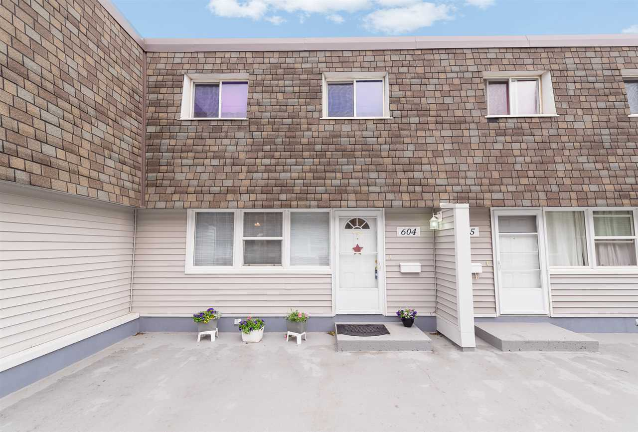 604 VILLAGE ON THE Green, 3 bed, 2 bath, at $164,900