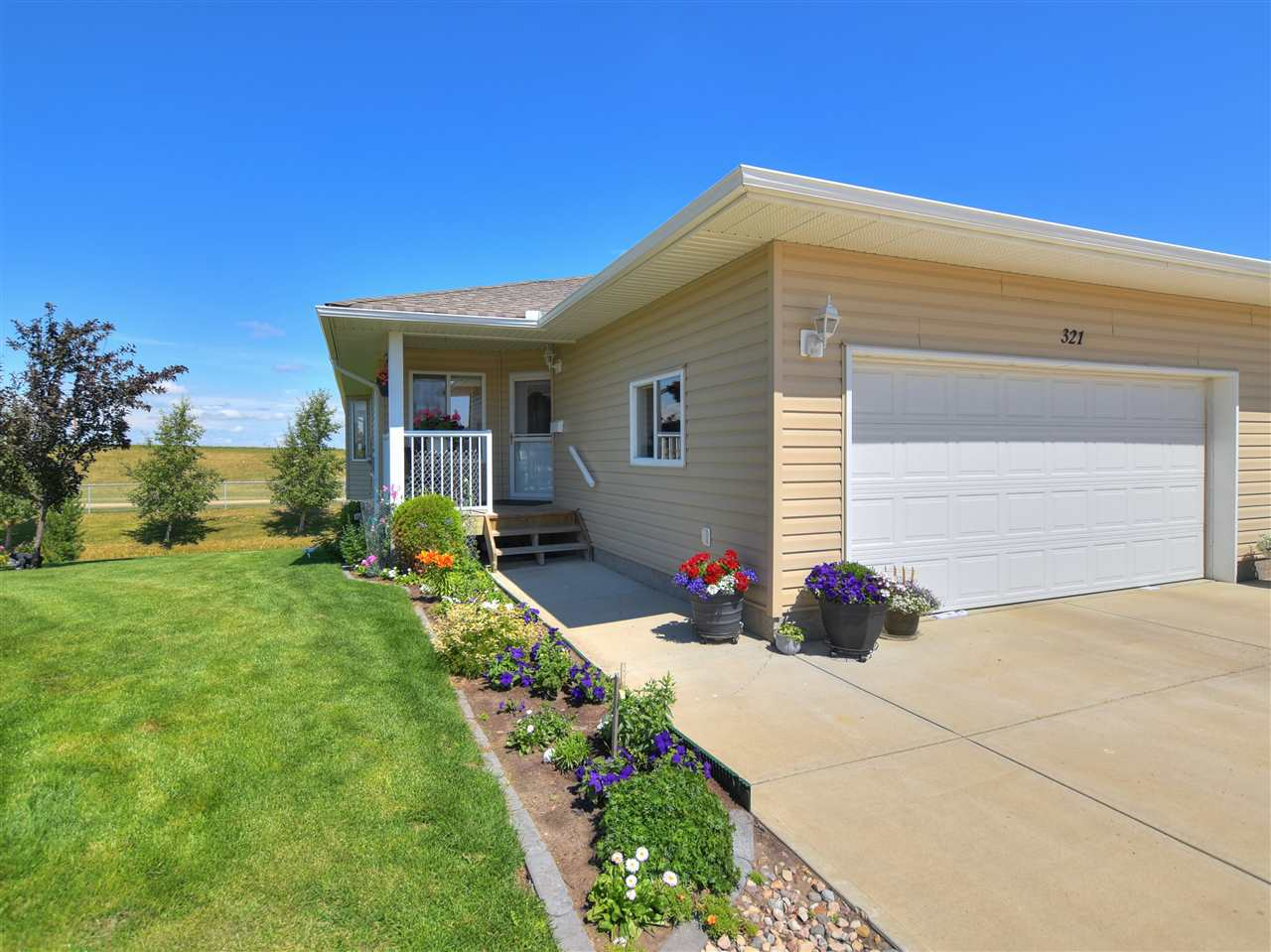 321 7001 Northview Drive, 3 bed, 3 bath, at $349,990