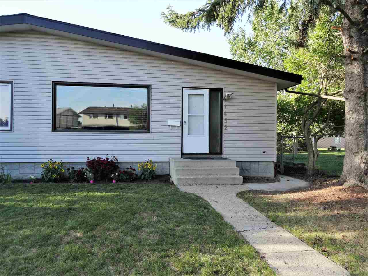11452 39 Avenue NW, 3 bed, 2 bath, at $305,000