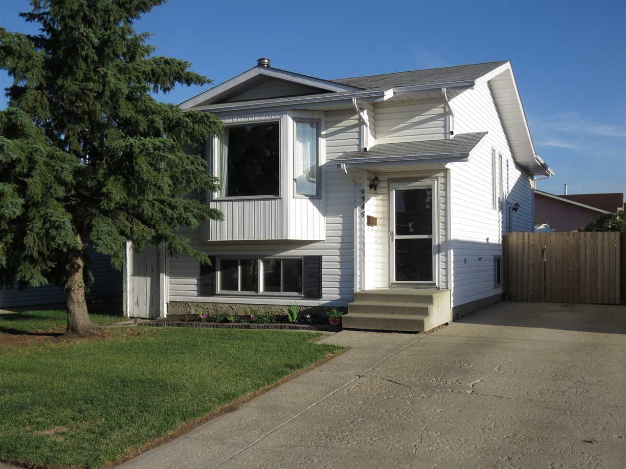 9345 180A Avenue NW, 3 bed, 2 bath, at $274,900