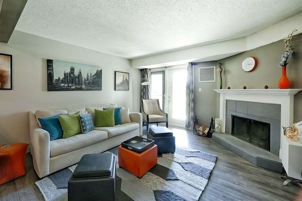 104 10528 29 Avenue, 2 bed, 1 bath, at $200,000