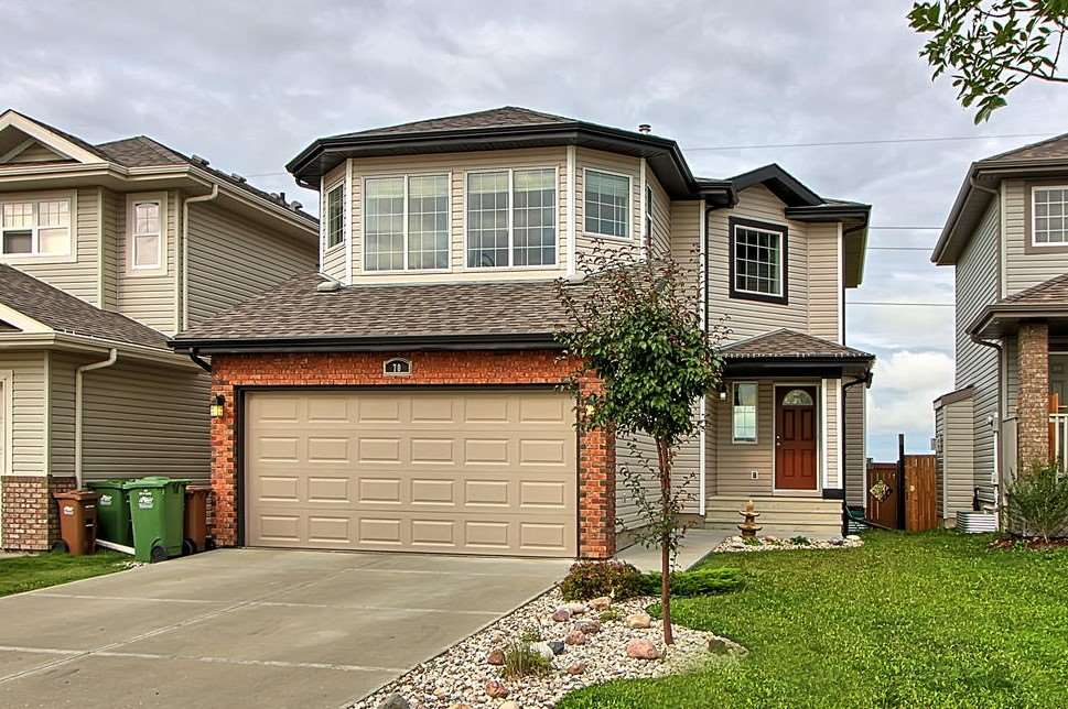70 Napoleon Crescent, 3 bed, 3 bath, at $415,000