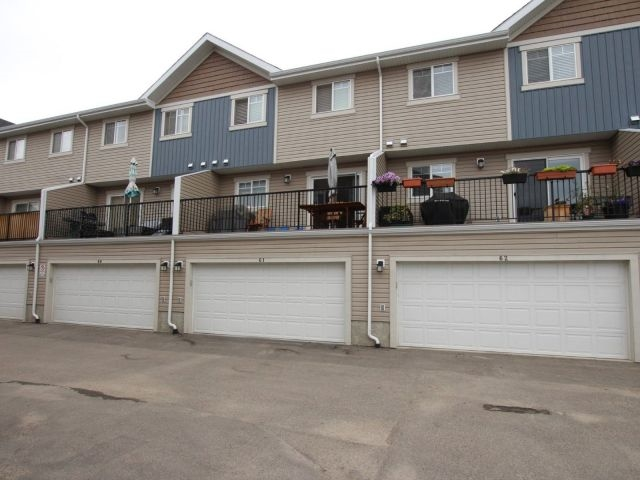 61 9535 217 Street, 3 bed, 3 bath, at $289,000