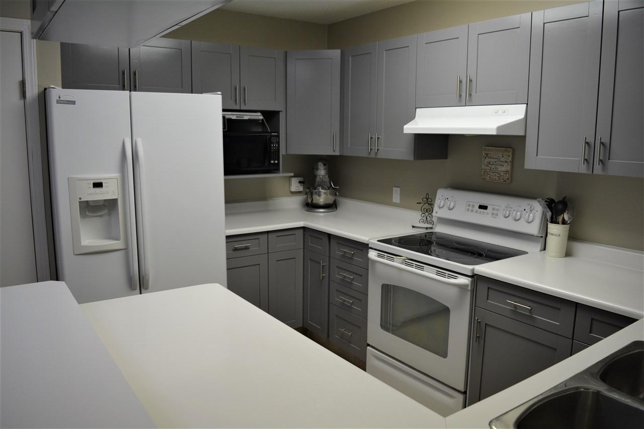 5509 47 Street, 3 bed, 3 bath, at $369,900