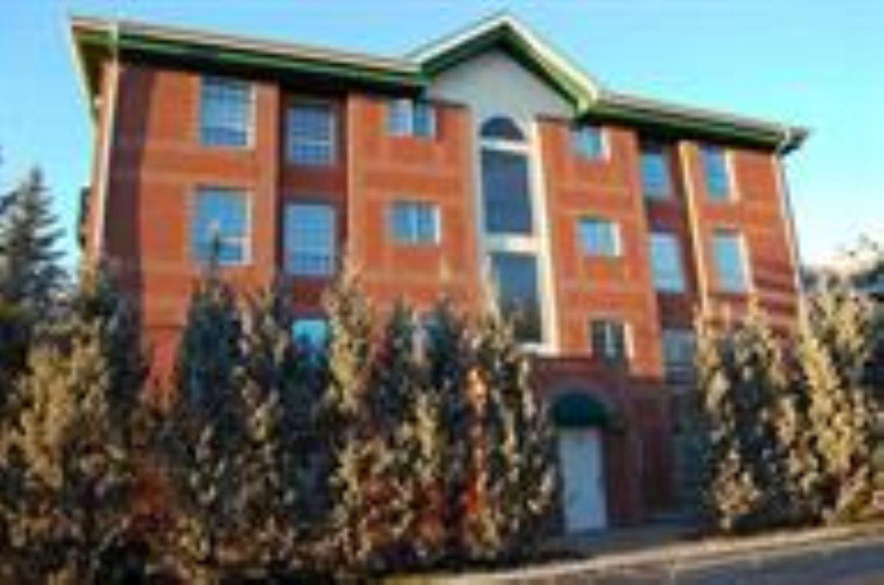102 35 SIR WINSTON CHURCHILL Avenue, 1 bed, 2 bath, at $199,000