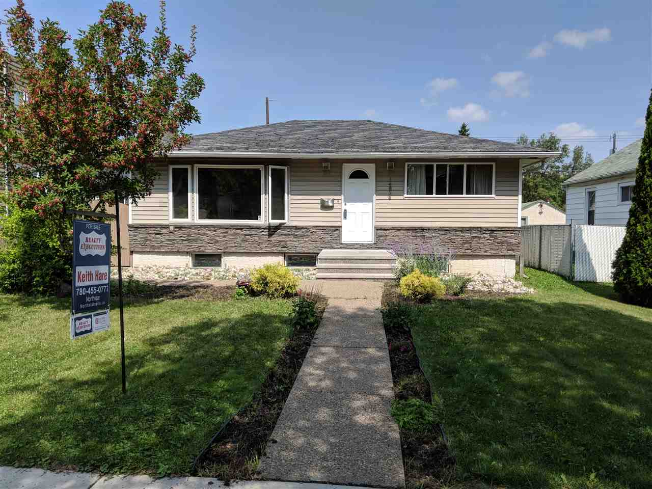 14826 103 Avenue NW, 3 bed, 2 bath, at $329,500