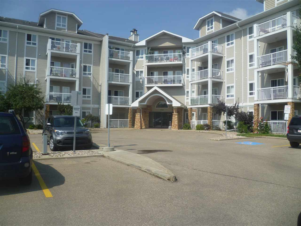 416 5350 199 Street, 2 bed, 2 bath, at $214,900