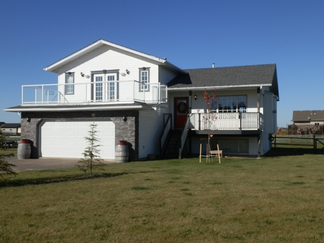 4222 8A Twp Rd 632, 5 bed, 4 bath, at $469,000