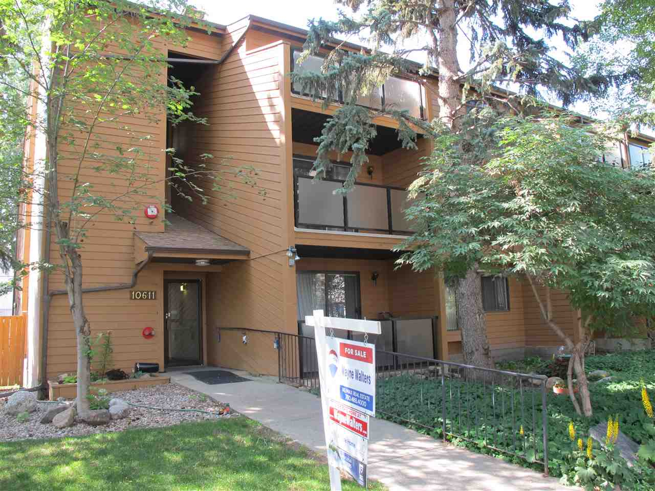 202 10611 84 Avenue NW, 2 bed, 2 bath, at $271,000