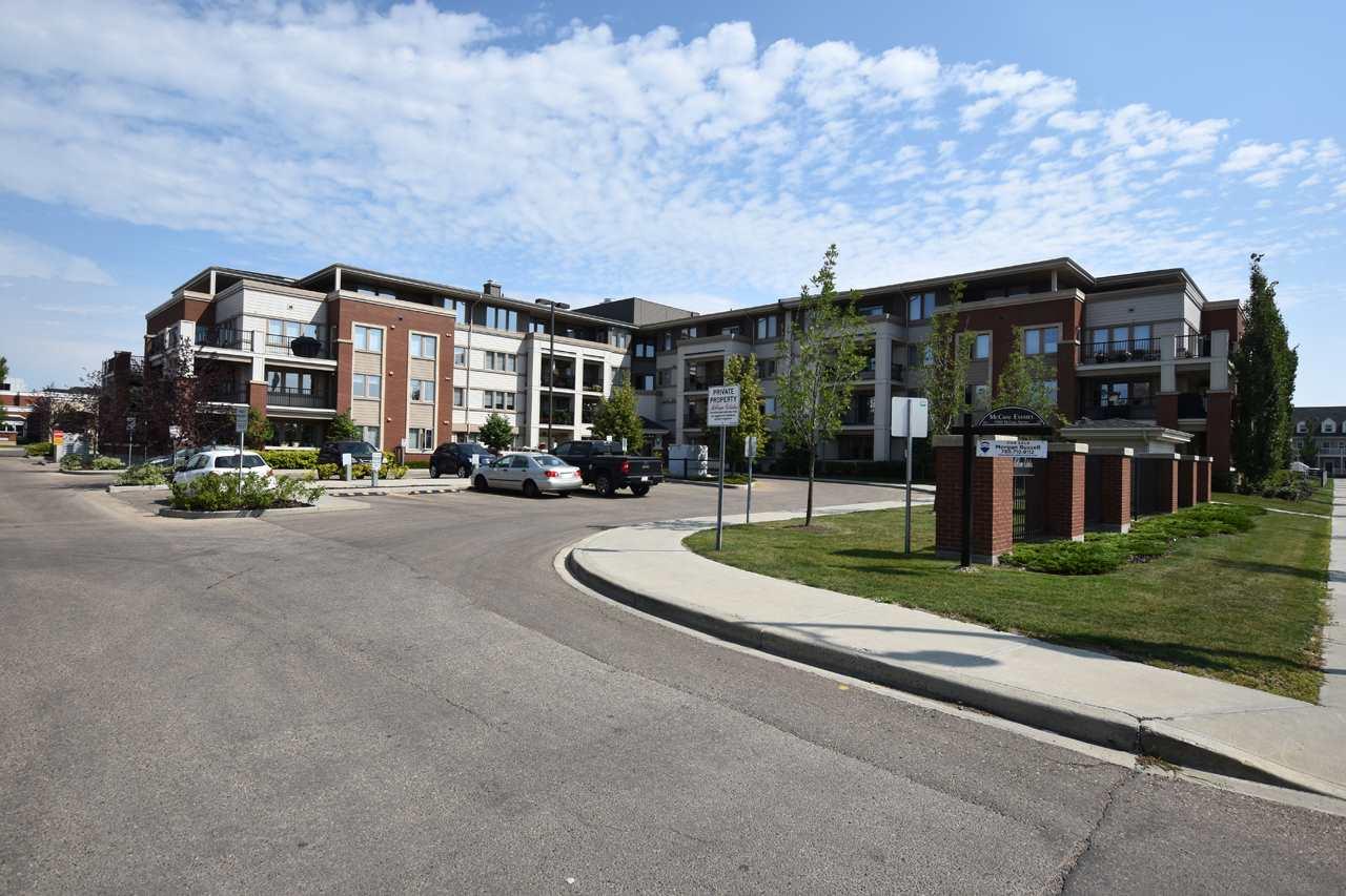 208 4450 MCCRAE Avenue, 1 bed, 2 bath, at $274,900