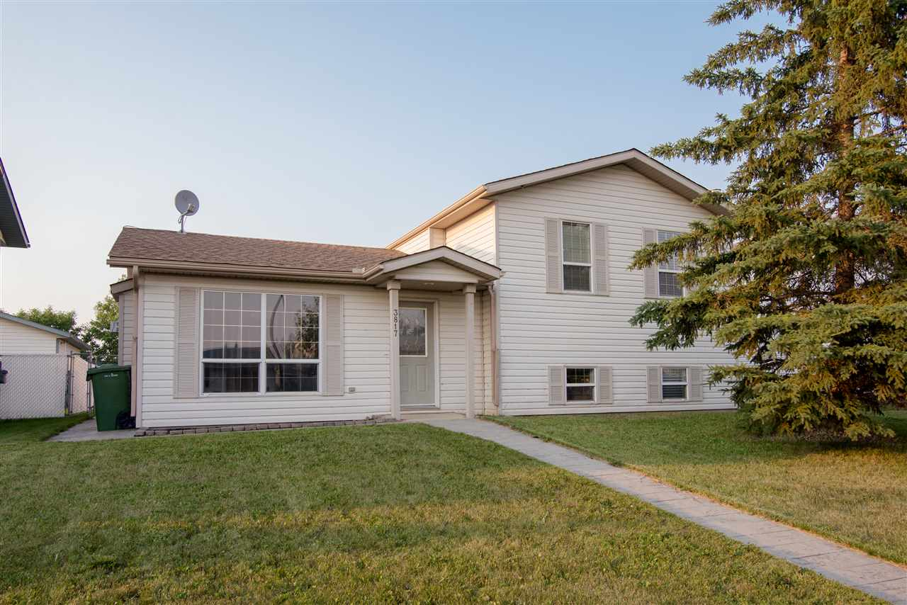 3817 43 Ave, 3 bed, 2 bath, at $299,900