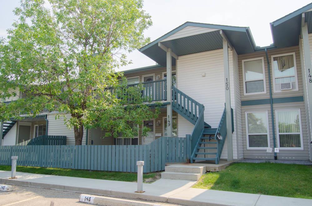149 2703 79 Street, 2 bed, 1 bath, at $144,900