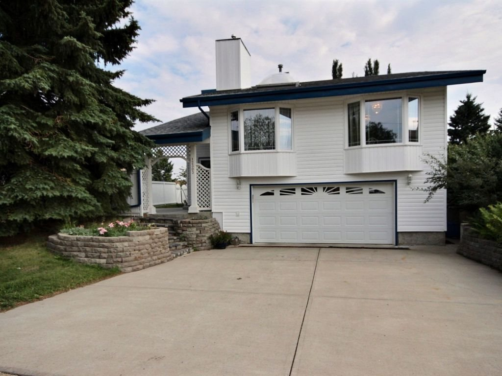 12303 151 Avenue, 4 bed, 3 bath, at $399,900