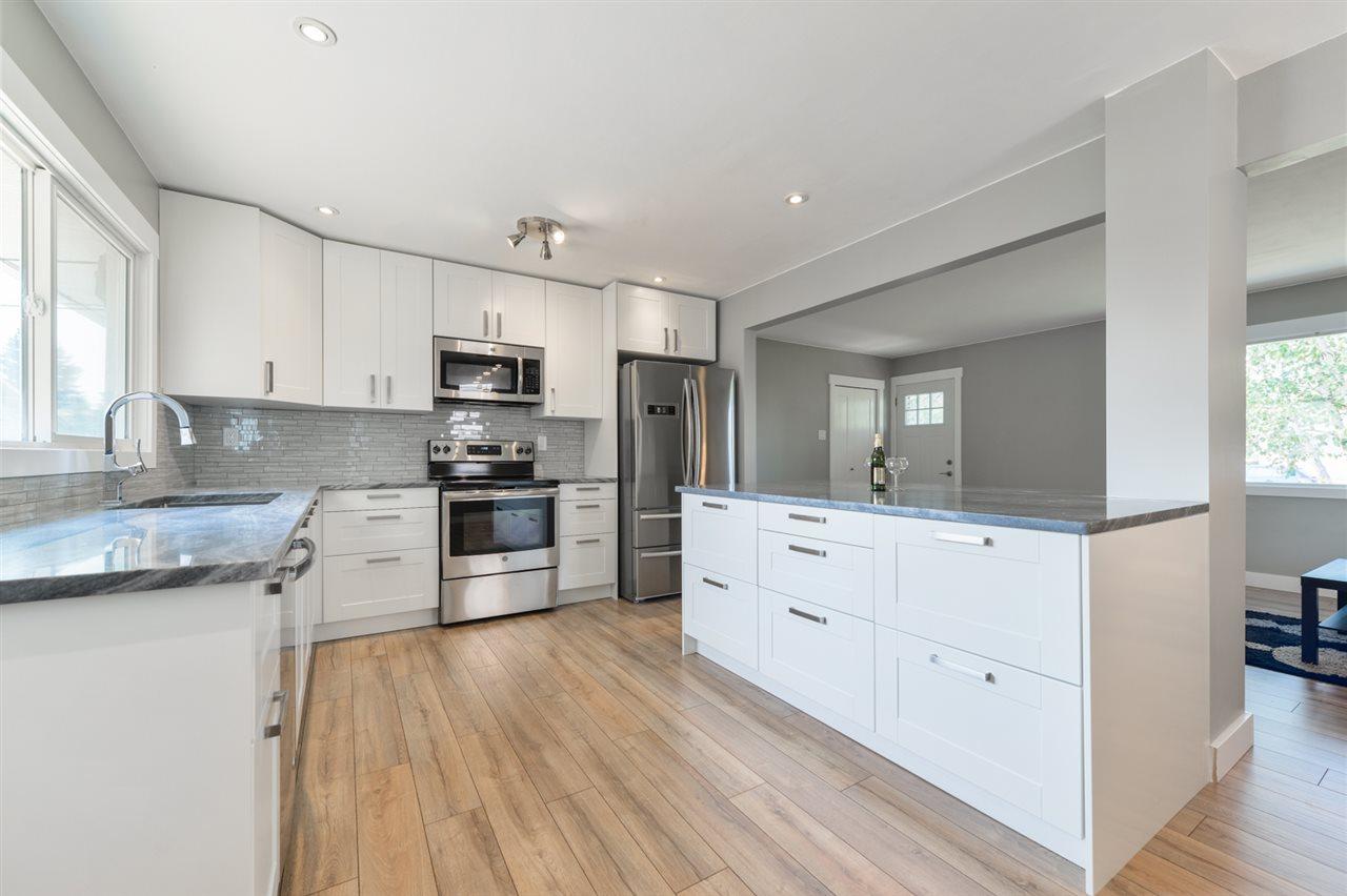 10915 158 Street, 2 bed, 1 bath, at $279,400