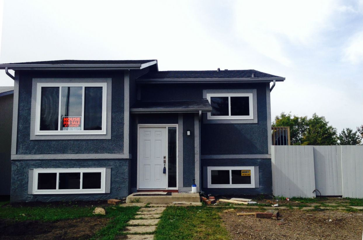 1028 61 Street, 3 bed, 2 bath, at $319,700