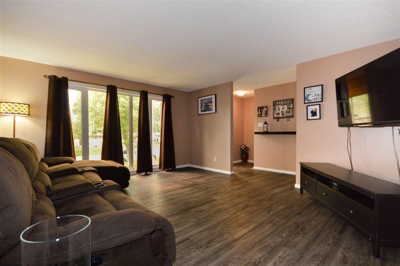 6108 148 Avenue, 3 bed, 2 bath, at $368,800