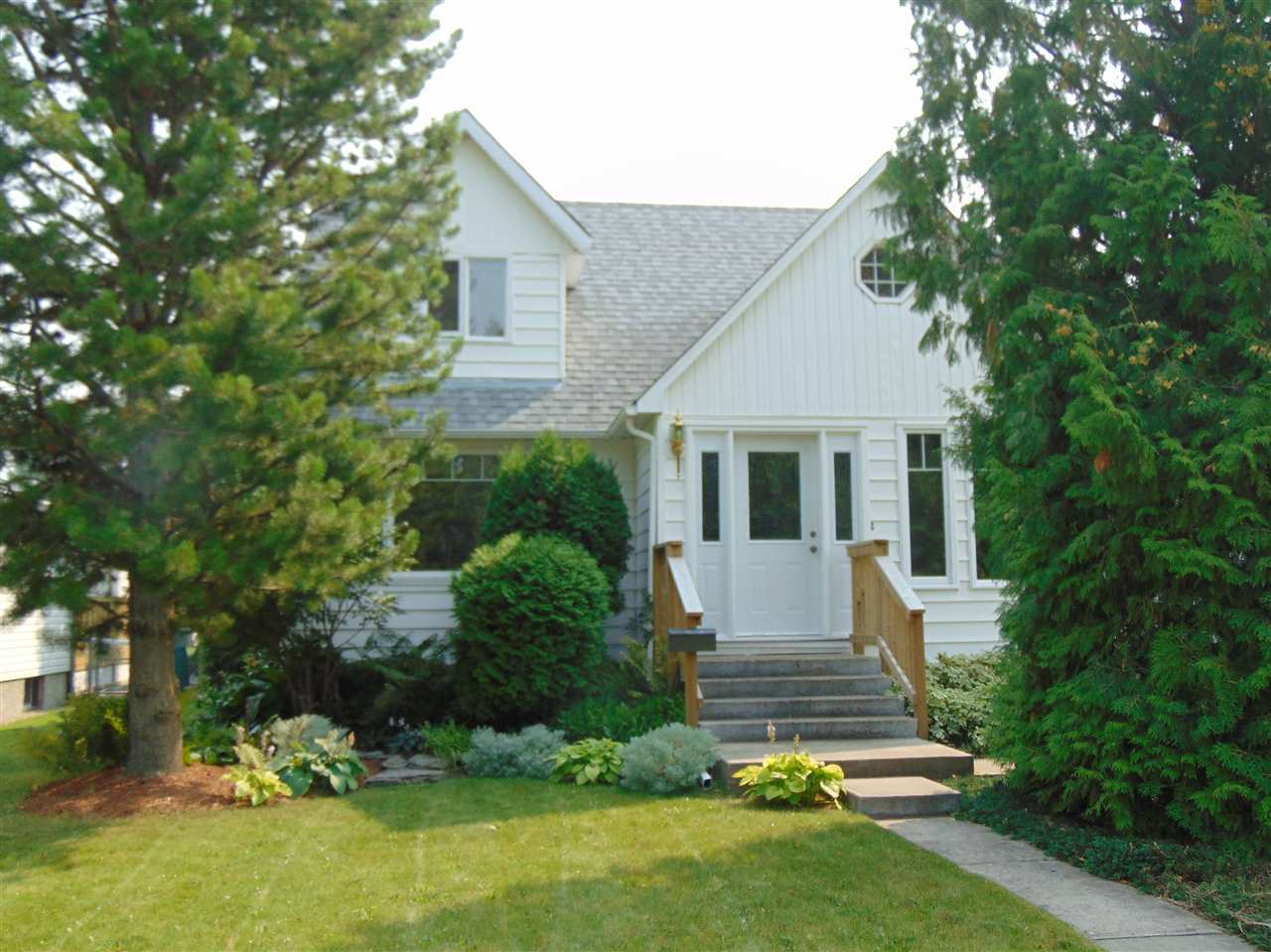 29 River Drive, 4 bed, 3 bath, at $467,000